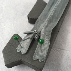 If you've worked with EVA foam before and are looking for a new way to enclose the foam piece around a body part, this zipper method may be for you. For Briareos' lower leg armor, I wan…