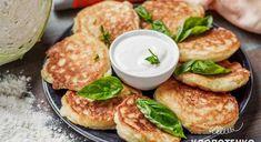 Оладки з капустою — рецепт від Євгена Клопотенка - Жіночий портал - TCH.ua Salmon Burgers, Ethnic Recipes, Food, Essen, Meals, Yemek, Eten