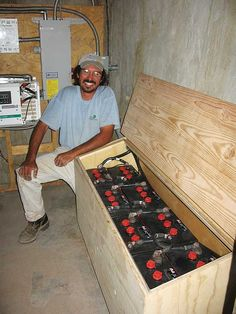 This advice will help you choose the best battery for backup energy on your off-grid homestead. Explore your options for emergency power. Solar Energy Panels, Best Solar Panels, Solar Energy System, Solar Power, Solar Panel System, Panel Systems, Off Grid Batteries, Emergency Power, Mother Earth News