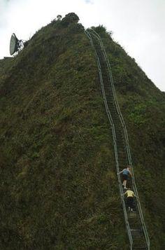 """""""Stairway to Heaven"""" hike in Hawaii"""