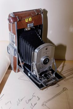 An Vintage Camera Becomes a Sculpture