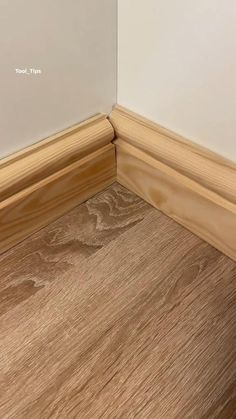 Woodworking Techniques, Woodworking Projects Diy, Diy Wood Projects, Woodworking Shop, Home Projects, Moldings And Trim, Crown Molding, Moulding, Home Fix