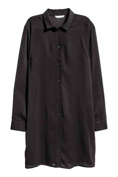 Long shirt: Long, straight-cut shirt in an airy viscose weave with a narrow collar, buttons down the front and at the cuffs and slits in the sides.