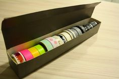 Tuntematon Tuunaaja: Säilytyslaatikko washiteipeille foliopaketista // Washi tape organizer from foil dispenser Washi Tape, Wine Rack, Organization, Storage, Crafts, Diy, Home Decor, Getting Organized, Homemade Home Decor