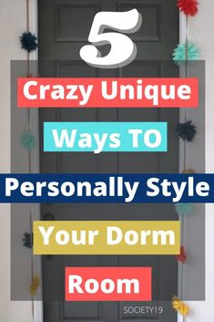 5 Crazy Unique Ways to Personally Style Your Dorm Room College Trends, College Hacks, Dorm Life, College Life, College Dorm Door, Dorm Room Doors, How To Introduce Yourself, Room Decor, Unique