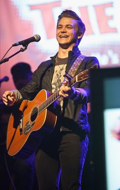 "Looks like this performance had a fun ""Storyline."" Hunter Hayes is all smiles during the 96.9 The Kat Country Jam on Nov. 19 in Charlotte, N.C."