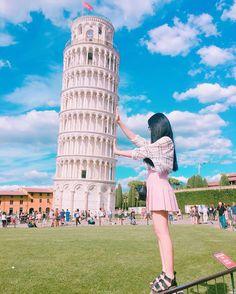 Instagram의 Seri-님: 피사의사탑-너무이쁘다 하늘도 #피렌체 #피사의사탑 #포즈잡기#이탈리아 #이탈리아여행 #유럽 #하늘 #행복#대학생 #인스타그램 #daily #selfies#셀픽 #셀스타그램