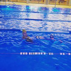 Mișcarea înseamnă viață, sportul înseamnă sănătate!        HAI LA INOT! www.aquaswim.ro  Instructor inot Aqua Swim: Silvia State