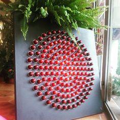 #A2Mains #recyclage #Créations #uniques #matériaux #recyclés #rouge #red #shoot…