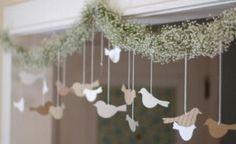 Crea una tira de guirnaldas con flores y pájaros
