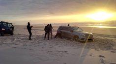 O Palhetas na Foz: Atolou jeep na praia, acudiram Bombeiros e Polícia...