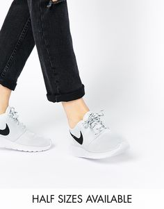 a8a9e76296b62a Nike Roshe Run Pure Platinum Trainers