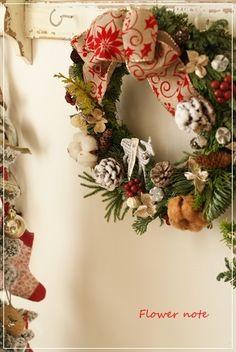 【今日の贈花】Flower note のクリスマスリース Flower note の 花日記 (横浜・上大岡 アレンジメント教室)