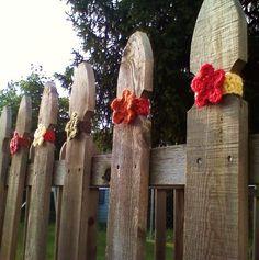 @createstuff #30daysofcreativity Backyard art and fence yard bombing! createstuff