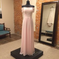Long bridesmaids dress with portrait neckline and off-the-shoulder lace straps. Blush Bridesmaid Dresses, Bridesmaids, Strapless Dress Formal, Formal Dresses, Size 16 Dresses, Mother Of The Bride, Lace Shorts, Off The Shoulder, Short Sleeves
