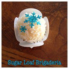 Edible snow flakes topper