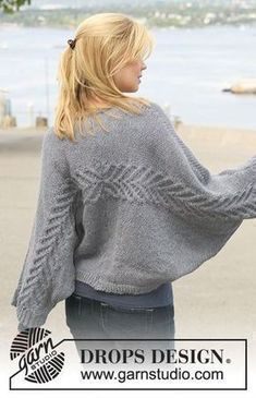 DROPS jacket with cables knitted from side to side in 2 strands Alpaca. Size S - XXXL. Free knitting pattern by DROPS Design. Crochet Pullover Pattern, Knit Shrug, Knitted Poncho, Crochet Cardigan, Poncho Sweater, Crochet Shawl, Shawl Patterns, Knitting Patterns Free, Free Knitting