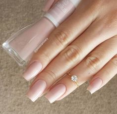 Want some ideas for wedding nail polish designs? This article is a collection of our favorite nail polish designs for your special day. Perfect Nails, Gorgeous Nails, Pretty Nails, Nude Nails, Pink Nails, Design Ongles Courts, Wedding Nail Polish, Nail Ring, French Nails