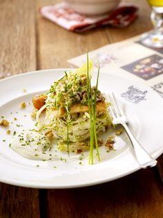 Endive salad with yoghurt, walnuts and pear I Belgian Beer Café - U.S & Canada #Belgium #Starter #Food #Beer