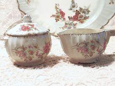 Azúcar y crema, cubierto Sugar Bowl, americano patrón de Zarza de Limoges, granja casa platos, Vintage China, Old Fashioned rosas, laslovelies