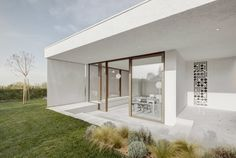 https://www.world-architects.com/en/pedevilla-architekten-bruneck/project/lake-garda-holiday-cottage