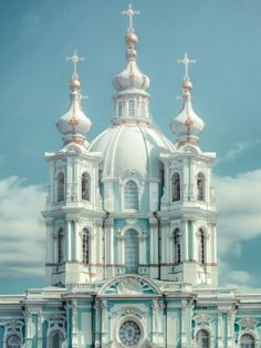 Russia Travel Inspiration - Smolny Cathedral, the Church of the Resurrection, St Petersburg, Russia Russian Architecture, Beautiful Architecture, Beautiful Buildings, Cathedral Architecture, Religious Architecture, Places Around The World, Oh The Places You'll Go, Around The Worlds, St Pétersbourg Rússie