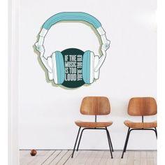 #Sticker #lettrage dans un #casque #audio, typographie moderne et colorée, pour une décoration murale branchée et un style #urbain, ideal pour une chambre à coucher.