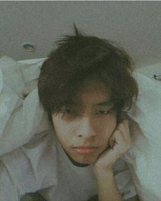Korean Entertainment Companies, P Wave, Jungkook Fanart, Ulzzang Boy, Girl Photography, Boyfriend Material, Wallpaper Quotes, My Boyfriend, Aesthetic Wallpapers