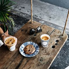 If You're Going to Sweeten Your Coffee, This Is the Healthiest Way to Do It via @MyDomaine Best Sugar Substitute, Restaurant Guide, Street Food, Nom Nom, Best Gifts, Food And Drink, Nutrition, Instagram Posts