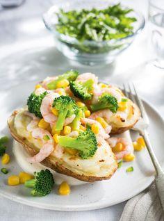 Pommes de terre farcies au brocoli,  au maïs et aux crevettes nordiques
