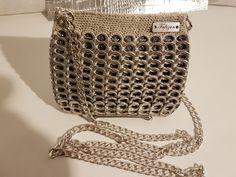 Accessoires brevetée Très jolie pochettes fait main en capsules de cannettes avec dublure en crochets long 15 cm larg 14 cm très élégante très lejere pour les femmes.pour l - 19749694