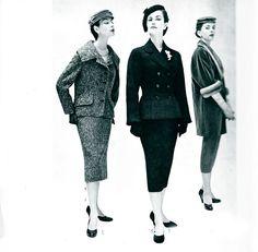 Tailleurs Haute Couture 1954 : A midi, Jacques Fath, l'après midi, Chrisitan Dior, et le soir Dior encore. 1954 haute couture Suits : at noon, Jacque fath, in the afternoon and evening, Christian Dior.