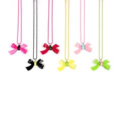BOW NECKLACE VERY KAWAII