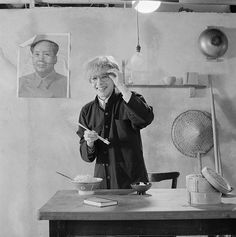 Posed portrait of David Sylvian from Japan holding chopsticks during the Tin Drum album photo session in November A poster of Chairman Mao hangs on the wall behind him. Get premium, high resolution news photos at Getty Images 80s Music, Music Icon, David, Drum Cover, New Romantics, Japan, Pretty Men, Post Punk, Musical