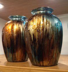 Decorative vase, GORGEOUS colors. Decorating Vases, Vases Decor, Guest Suite, Christmas Ideas, Colors, House, Home Decor, Decoration Home, Home