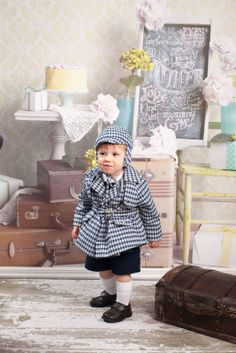 vintage 1960's coat and hat with vintage backdrop Children's and Family Photography Wichita, Kansas