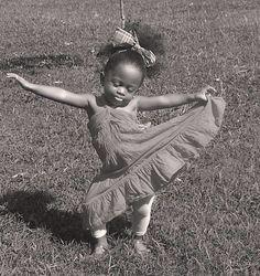 Dance, you beautiful little princess. Just Dance, Dance Like No One Is Watching, Shall We Dance, Beautiful Children, Beautiful Babies, Beautiful People, Tiny Dancer, Dance Art, Little People