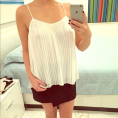 White top White top Perfect for summer Never worn Size : S No trade Zara Tops