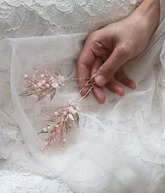 Handmade bridal headpiece by artisan from Peony Lover Visit www.peonylover.com for more Bohemian Headpiece, Flower Headpiece Wedding, Bridal Hairpiece, Bridal Hair Pins, Hair Comb Wedding, Minimal Wedding, Chic Wedding, Wedding Ideas, Flowers In Hair