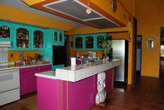 Google Image Result for http://homeize.com/wp-content/uploads/2012/02/colorful-kitchen-design-photos-1.jpg