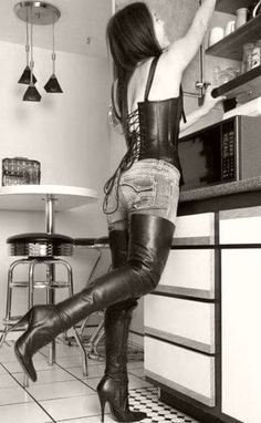 If you consider on your own a design queen, after that winter months boots are your best design declaration comfortably, heat, and also chicness. Certainly, you have to prepare to spend for all of it! Sexy Boots, Cool Boots, Belle Lingerie, Crotch Boots, High Leather Boots, Leather Lingerie, Stiletto Boots, Hot High Heels, Gothic Fashion
