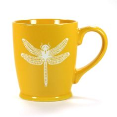 Dragonfly coffee mug in tangerine orange by Bread and Badger, Microwave-safe, Dishwasher-safe, sandblasted ceramic🔽🔽🔽 Beautiful Bugs, Beautiful Gifts, Thermos, Cute Mugs, Pretty Mugs, Orange Crush, Ceramic Cups, Glazed Ceramic, Happy Colors