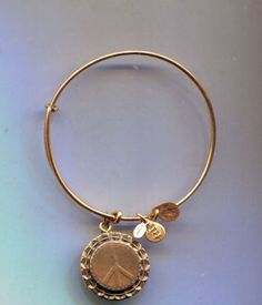 ALEX-ANI-endless-russian-gold-huge-peace-sign-bracelet