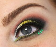 Inspired by the sunset and the beautiful nature in the summer.Summer Cut Crease. #eyes Makeup Geek, Love Makeup, Makeup Looks, Hair Makeup, Amazing Makeup, Cut Crease Makeup, Green Eyeshadow, Eye Tutorial, Cruelty Free Makeup