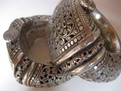 A rare pair of Omani bracelets. I think, the design of the engravings is superb, delicate and unique!