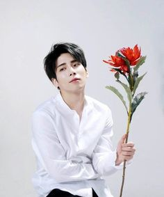 I need this to appear on here as a reminder for myself that dearest Jonghyun is no longer apart of this world, but instead…playing a damn kazoo to Ring Ding Dong up in the sky and probably freaking. Shinee Debut, Shinee Jonghyun, Look At The Stars, Life Goes On, Rest In Peace, White Aesthetic, Kpop Groups, Boy Bands, Idol