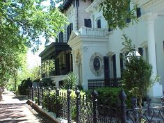 historic homes in savannah ga | Historic home in Savannah, Georgia. www.greatamericanthings.net