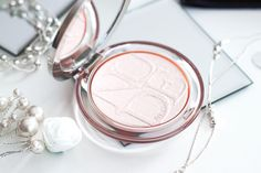 DIORSKIN NUDE LUMINIZER ⠀ #dior #diormakeup #highlighter #powder #makeup #pastelpink Best Highlighter, Luminizer, Make Up, Nude, My Love, Instagram, Makeup, Beauty Makeup, Bronzer Makeup