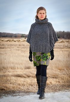 Ravelry: # 130 Back Bay Poncho pattern by Leslie Scanlon. Super bulky yarn/ #15 needles. <3