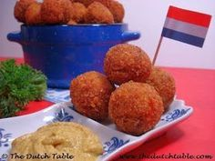 Bitterballen--Dutch breaded, deep-fried balls of meat or veggies--this type made w/beef.